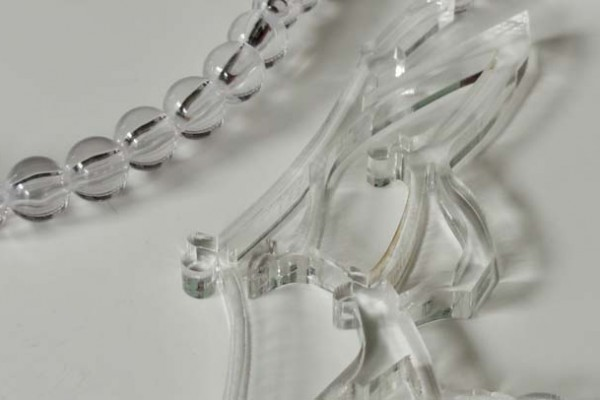 Traditional Link Clear with Clear Pearls Detail